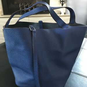 Handbags - Leather Tote with Lock & Key💙💙💙💙💙💙💙💙💙💙💙